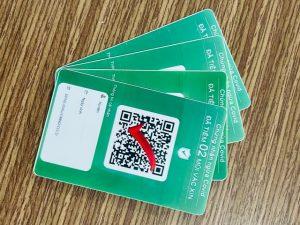 In thẻ giấy nhựa chứng nhận ngừa covid-19